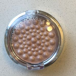 Physicians Formula mineral Glow Pearls highlighter